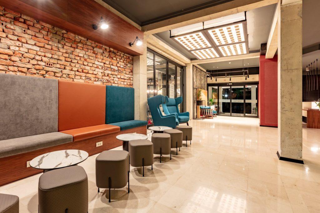 Lobi Bar Hotel Pela Ohrid - Makmedia Biznis katalog